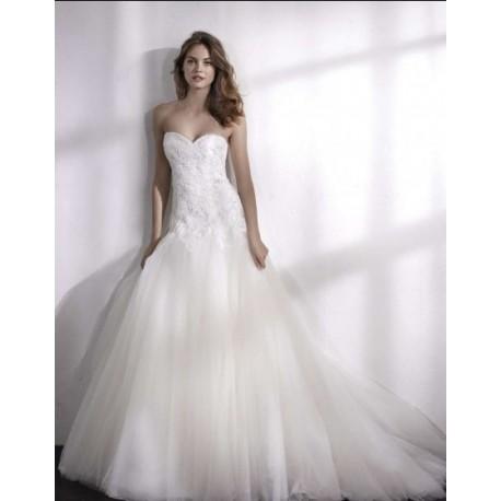 Robe de mariée taille basse