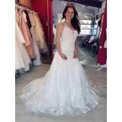 Robe de mariée toute en dentelle