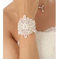 Bracelet en dentelle