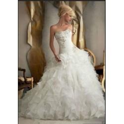 Robe de mariée volants et taille basse