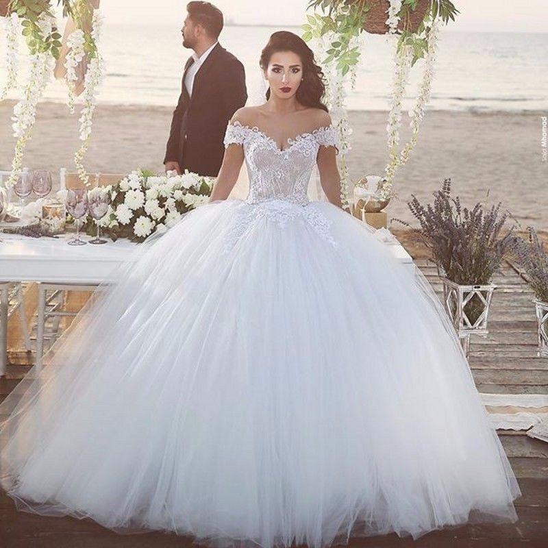 robe de mariée très gros volume