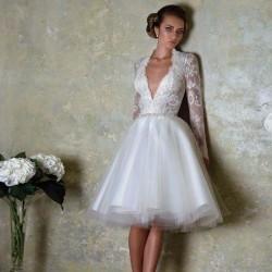 robe de mariée courte manches longues en dentelle