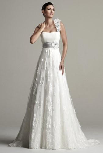 robe de mariée empire toute en dentelle