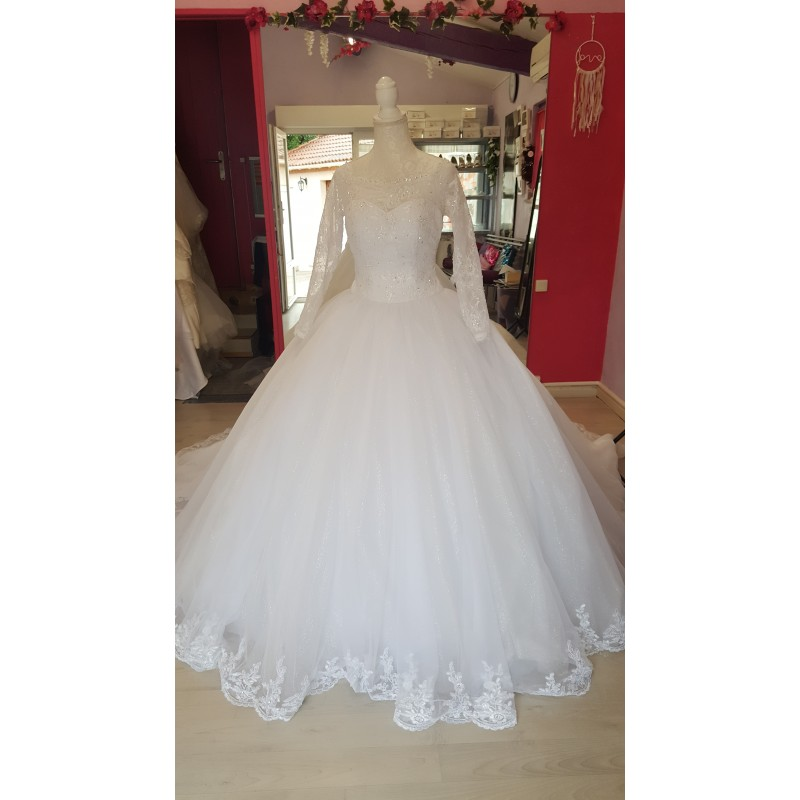 robe de mariée princesse tulle pailleté
